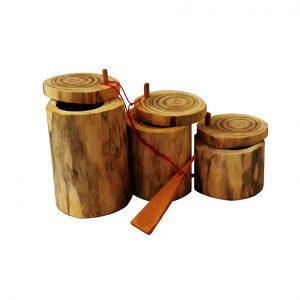 Objets décoratifs et utilitaires en bois -